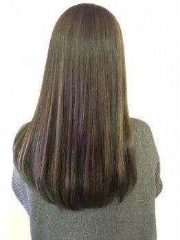 バニーズ 本店(Bunny's)の写真/頭皮に配慮したカラー剤で、グラデーションカラーやグレイカラーまで♪あなたの髪を美しくします!!