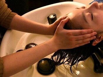 ラシク(RASHIKU)の写真/健康な美髪は頭皮から。人気の上質ヘッドSPAは60分のロングSPAで心も体もリフレッシュ☆自分へのご褒美に。