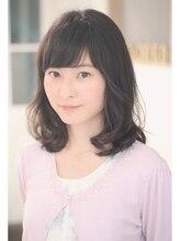 キタドコ(kitadoko Personal Hair Stylist Group)☆伸ばしかけのミディアムにかける大人ふんわりウェーブ☆
