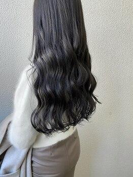 ヌメロオオサカ(Numero OSAKA)の写真/【南森町】白髪ケアの新常識!ハイライトをとり入れたグレイカラーで、伸びても目立ちにくく馴染みも抜群◎