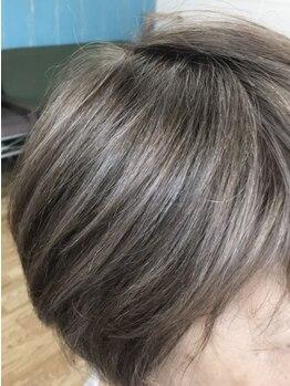 美容室エルカミノの写真/憂鬱な白髪染めをもっと楽しく!白髪染めを「隠す」髪色から「魅せる」髪色へ♪