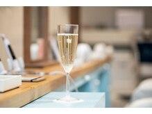 ジェットセット 表参道店(Jetset)の雰囲気(スパークリングワインなどのドリンクサービスあり♪)
