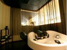 グレタガルボ(GRETA GARBO)の雰囲気(自慢のスパ室。個室なのでリラックスでき眠ってしまうほど!)