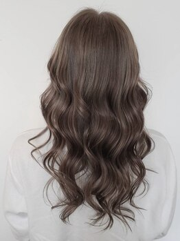 """ヘアーエスクールステラ(hair S.COEUR stella)の写真/大人のWカラーで透明感/ヌケ感/こなれ感/トレンド力も思うまま☆あなたの""""なりたい""""を叶えます♪"""