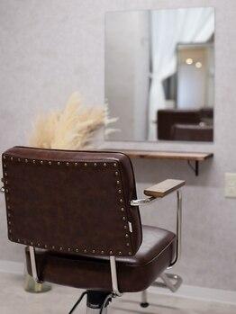 ティット(tytto)の写真/とびきりオシャレな空間で、とびきり素敵なヘアセット。3席だから寛げる♪お出かけ前にほっと一息…。