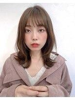 リコ(riko)【riko荒木】ぱっつんシースルーくびれレイヤーオリーブベージュ