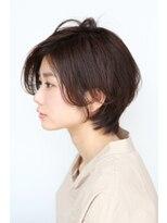 前髪長めのオシャレショートヘア