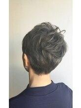 クブヘアー(kubu hair)《Kubuhair》ミセスグレージュショート