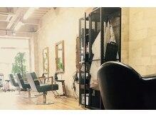 ルチア(HAIR&MAKE LUCIA)の雰囲気(広々した空間でカフェのような落ち着いた時間をお過ごし下さい♪)