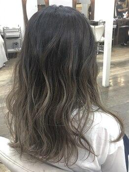 マキシム イオン若松の写真/大好評カラー+トリートメントで艶髪&発色を叶える◎トレンドに合わせたカラーやハイトーンも楽しめます♪