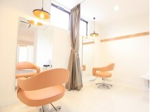 ヤマギワ(yamagiwa)の雰囲気(周りの目を気にせず施術が受けられる個室も完備!)