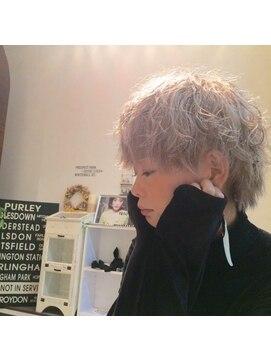 シェルターヘアールーム(SHELTER hair room)プラチナパーマ。