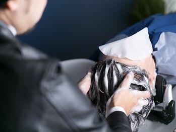 """トレ(TORE)の写真/極上ヘッドスパで、頭皮ケアと癒しを!!心身共に潤いたっぷり…。""""TORE""""だから体験できる贅沢なひととき"""