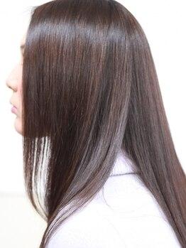 ディーエイチハルクローバー(Dh-HAL clover)の写真/高品質なオーガニックトリートメントで頭皮に優しくダメージケア☆手触りなめらかなツヤ髪が手に入る!