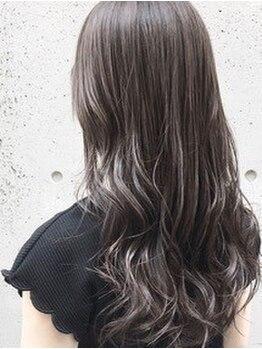シェノン 梅田(CHAINON)の写真/黒髪・暗色でも美しい透明感◎髪の再生も同時にできるからみずみずしい質感に♪グレイカラーもお任せ下さい
