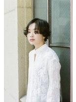 マウロア(MAULOA)【MAULOA】センターパート×外ハネショート 黒髪 透明感