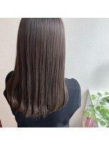 髪質改善トリートメントで艶髪へ。