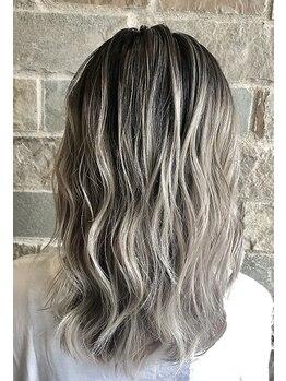 ディア(Dear)の写真/髪を傷めず透明感のあるカラーが実現!!周りが羨むヘアカラーにイメチェンしてみて♪