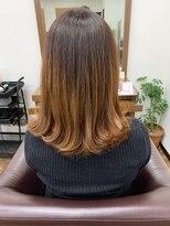 アールピクシー(Hair Work's r.Pixy)グラデーションカラー × インナーカラー