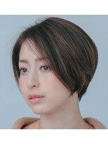 ティモーネ(Timone)ナチュラルなスタイルで魅了するシンプルヘア