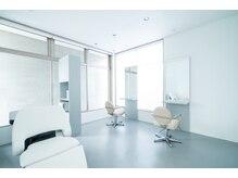 ランドマーク(Landmarc)の雰囲気(個室が2つあります。個室予約はお電話にて承っています。)