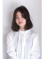 ヘアメイク シュシュ(Hair make chou chou)小顔毛先パーマ黒髪センターパート20代