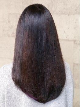 ヘアー アジト(Hair Ajito)の写真/潤いと輝くツヤが毛先まで続く☆ナチュラルなストレートで大人可愛いを演出!魅力的で美しいアナタに♪