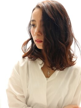 ヘアーアンドメイククリアー(Hair&Make CLEAR)の写真/ワンランク上のグレイカラーで美髪を創る―。ただ暗くするではなく、髪色を自由自在に楽しめる♪