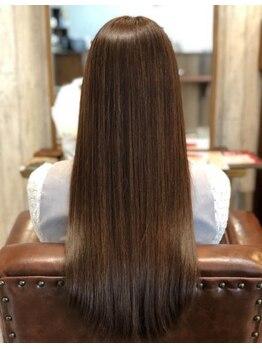 ヘア ガーデン モカ(hair garden moca)の写真/どんな髪質、ダメージ毛でもうる艶サラサラなストレートスタイル。