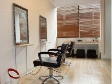 ヘアセットサロン パスクア(Hair Set Salon Pasqua)の雰囲気(5席のみの落ち着いた清潔感のある明るい空間でリラックス♪)