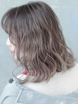 フォルテ 島田店の写真/髪にプラチナのような光沢とハリをプラス。美しい発色であなただけの髪色に。カラーでツヤ髪が手に入る…*