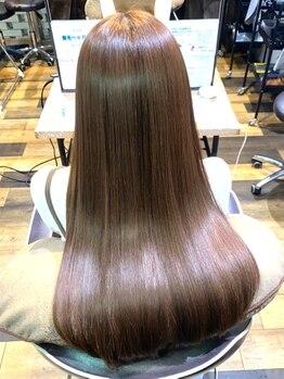 """髪質改善ヘアエステ フランネル 経堂(Flannel)の写真/""""くくらず まとまる おさまる""""理想の質感。自然なツヤと柔らかな質感は髪質改善ストレートエステで解決♪"""