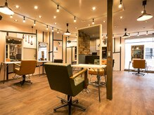 アグ ヘアー ノード 広島紙屋町店(Agu hair nord)の雰囲気(ゆったり寛げる空間。家にいるようにRelax。)