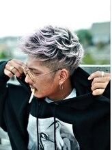 イニヘアデザインワークス(inni hair design works)【inni/メンズ】jet mohawk very light mauve gradation