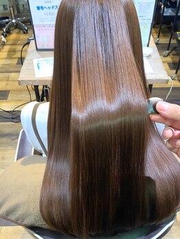 """髪質改善ヘアエステ フランネル 経堂(Flannel)の写真/""""髪の悩みが絶えない""""大人女性必見!!新常識『エステカラー』で白髪染めする度に品のある上質な髪へ☆"""