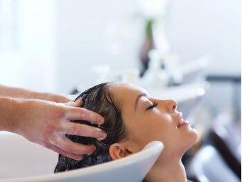 ヘアーサロン カムシー セカンド(Hair Salon Come Se' episode2)の写真/2種類のヘッドズパで気分や髪の状態に合わせてケアできる◎日々の疲れを癒す至福のひとときを…♪