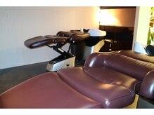ラヴィソン ヘアー(RAVISSANT HAIR)の雰囲気(最高級のYUMEシャンプー台。ぐっすり眠れる癒しの空間です)