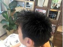 髪師 稲垣の雰囲気(髪や頭皮、スタイリングのことなど何でもご相談ください♪)