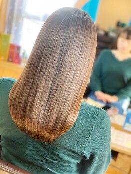 ティンカーベル(TINK‐A‐BELL)の写真/悩みが絶えないその髪に…縮毛矯正独特の硬さが柔らかさに変身、進化したナチュラルスタイルに◇゜。
