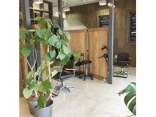 リフレクション(REFLECTION)の雰囲気(緑や木に囲まれ、半個室でゆったり過ごせます!)