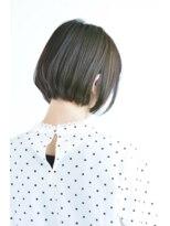 キアラ(Kchiara)首のラインを綺麗に魅せるボブ【ビガシタダシ】