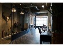 ココモ(KOKOMO)の雰囲気(2F,3Fはお客様&KOKOMOスタッフが輝くサロンスペースです。)