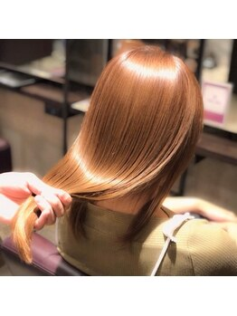ヘアースペース リズム(Hair space Rizm)の写真/話題の《TOKIO》《フローディア》を取り揃えてあります。あなたもシルクのような手触りになりませんか?