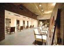 サラジュ 川西店(SARAJU)の雰囲気(アジアンリゾートを思わせる大人ラグジュアリーな空間。)