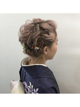 ヘアーメイクデザインパフ(HairMakeDesign Paf)ハイトーンクラシカル