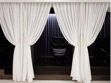インビテーション(invitation)の雰囲気(シャンプールームは個室で最高級フルフラットシャンプー台を使用)