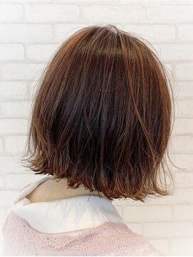 ビス ヘア アンド ビューティー 西新井店(Vis Hair&Beauty)前下がり切りっぱなしボブ/ピンクブラウン/大人かわいい/小顔
