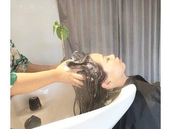 ヘアー スペース オフ(Hair Space Off)の写真/スパニスト検定取得者の技術でお悩み改善!居心地抜群の〈Hair Space Off〉で癒されながら髪もキレイに♪