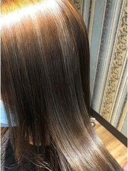 ヘアー グレープフルーツムーン(HAIR Grapefruit Moon)の写真/【勾当台駅徒歩3分】今話題の髪質改善に特化した大人女性に人気のサロン★髪質改善しながら理想の髪色に♪