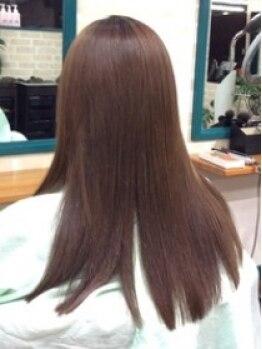 チェレステ(Celeste)の写真/一人一人に合わせたストレートヘアを提供☆髪と同じ弱酸性の薬剤を使いこなし、今までにないような質感に。